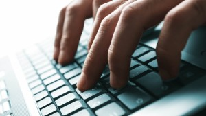 hands_keyboard_computer_text_hacker_hacking_80037_1280x720
